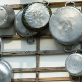 Pourquoi aluminium ne doit pas être utilisé comme un des ustensiles de cuisine?