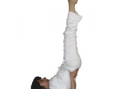 8 Yoga pose pour reprendre des forces