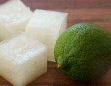 Cubes de glace de l'électrolyte pour les nausées matinales