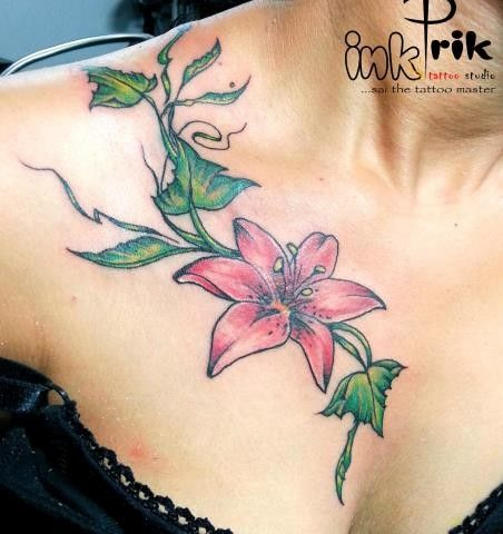 Flower Tattoo Design For Girl On épaules avant